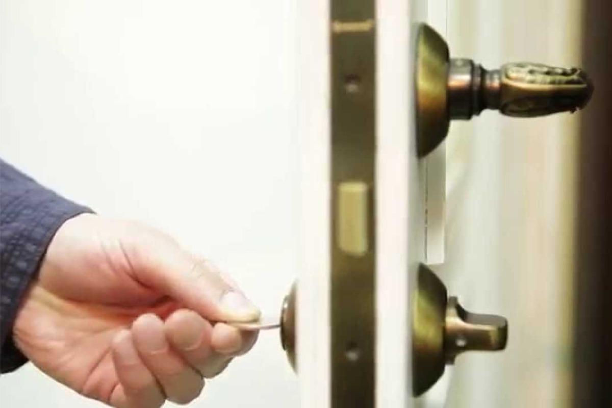 Как выбрать замки и защелки для межкомнатной двери
